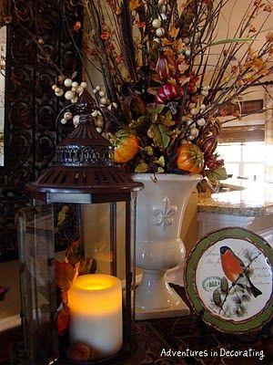 Fall.: Decor Adventure, Fall Table, Fall Decor, Feathers Decor, Fall Ideas, Autumn Decor, Fall Vase, Decor Ideal, Fall Thanksgiving Halloween