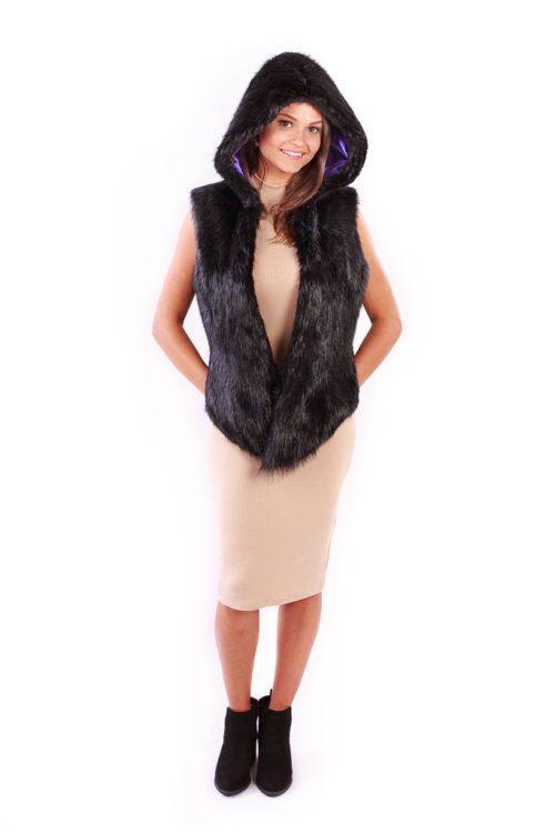 Hooded Beaver Vest Front Black - Lindo F