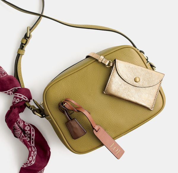 What's your purse-onality? At J.Crew, we're all about self-expression. Find out how to make our new Signet bag your new Signet bag at jcrew.com/yourbag.