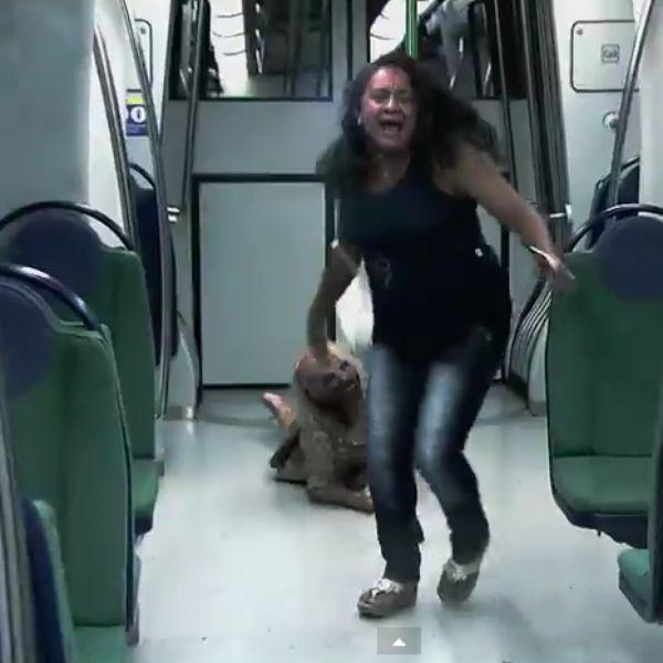 Silvio Santos arma câmera escondida com zumbis no metrô do Ceará