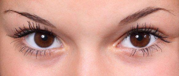 5 Cara Alami Menghilangkan Lingkaran Hitam Bawah Mata (Dark Circles)