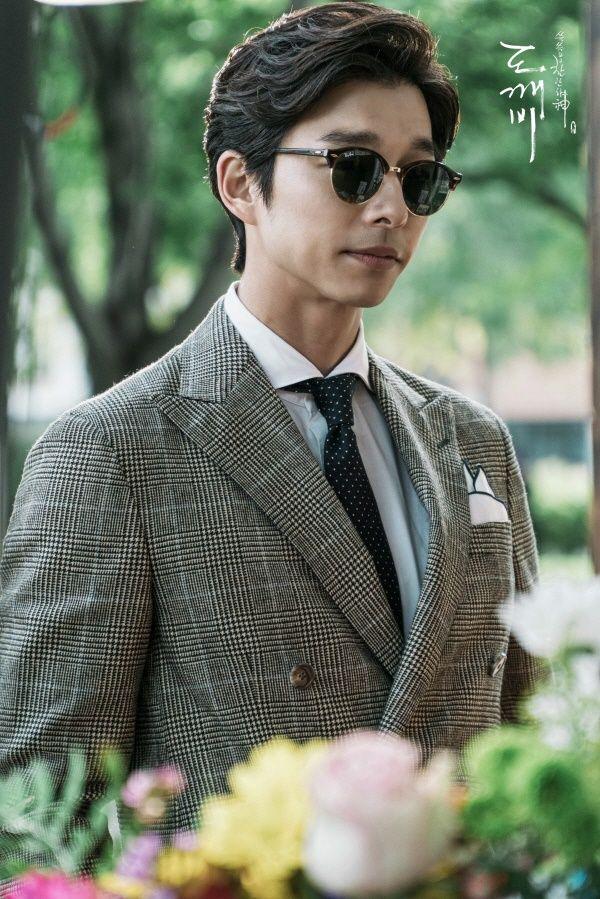Cặp soái ca Gong Yoo - Lee Dong Wook của Goblin mặc đẹp như thế này hèn chi fan cứ dán mắt vào màn hình - Ảnh 6.