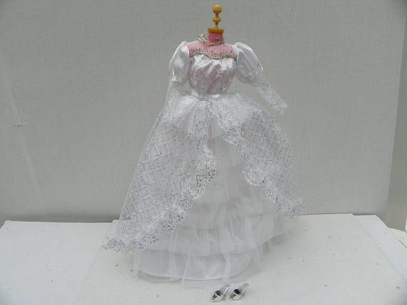 Vintage Barbie Wedding Gown and Shoes  Barbie Clothing
