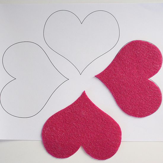 Dream a Little Bigger - Dream a Little Bigger Craft Blog - How to Perfectly Acrylic Cut Felt - Tutorial