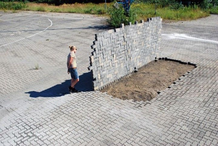 intervention urbaine 03 720x481 Les interventions urbaines de Brad Downey  street art bonus art