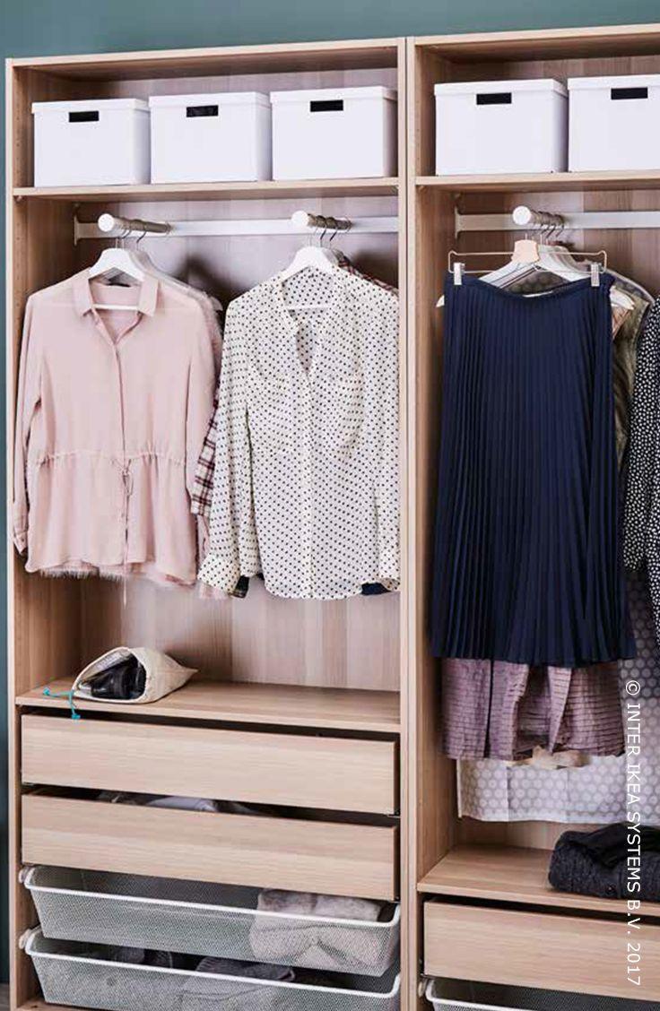 Het is lente, dat betekent tijd voor een grote lenteschoonmaak! Gebruik de bovenste plank van je garderobe om die winterkleren netjes op te bergen in dozen en kies kleine zakjes voor je accessoires! Voeg nu nog een beetje lavendel of ceder toe om alles lekker fris (en motten weg) te houden! Ontdek onze ideeën. TJENA Doos met deksel, 3,50/st. #IKEABE #IKEAidee It's Spring, so that means it's time to get your closet in shape for spring! Discover our ideas. #IKEABE #IKEAidea