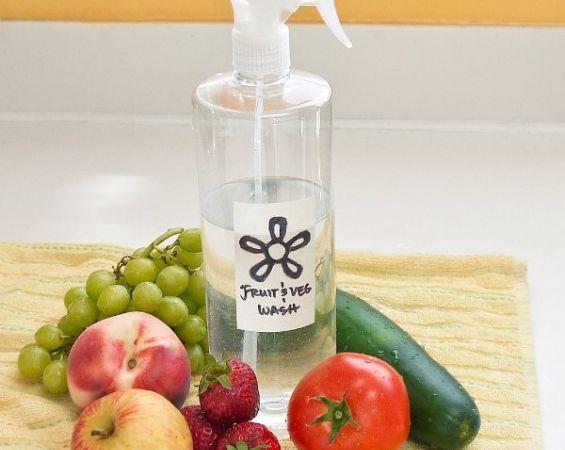 Φυσικό σπιτικό σπρέι για να αφαιρέσετε τα φυτοφάρμακα από φρούτα και λαχανικά
