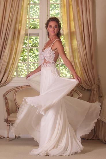 Wanda Borges, gorgeous bodice: Wedding Dressses, Backless Wedding Dresses, Lace Wedding Dresses, Backless Dresses, Chiffon Wedding Dresses, Wanda Borg, Dreams Dresses, Open Back, Beaches Wedding Dresses