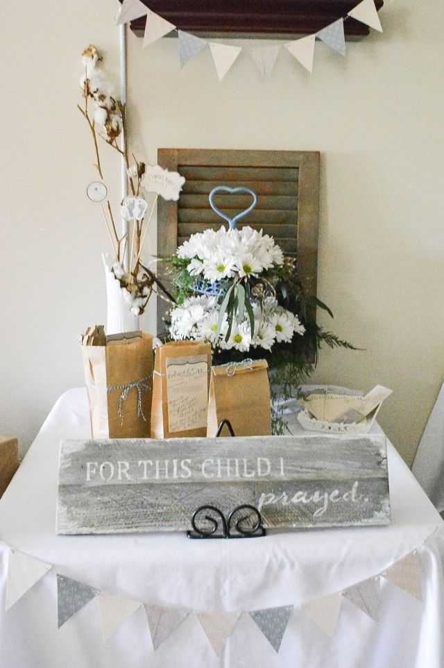Beautiful Shabby Chic table decor for a