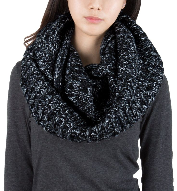AnnaKastle Double Wrap Circle Ring Marled Chunky Knit Infinity Scarves in Black+White