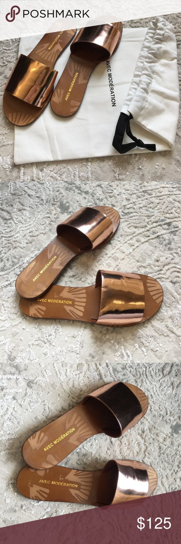 AVEC MODERATION LADIES BRONZE SANDALS SIZE EU 36 AVEC MODERATION ladies bronze, calf leather shell open sandals, size EU 36.   Made in Italy. New with dust bag . Sorry, no box. Avec Moderation Shoes Sandals