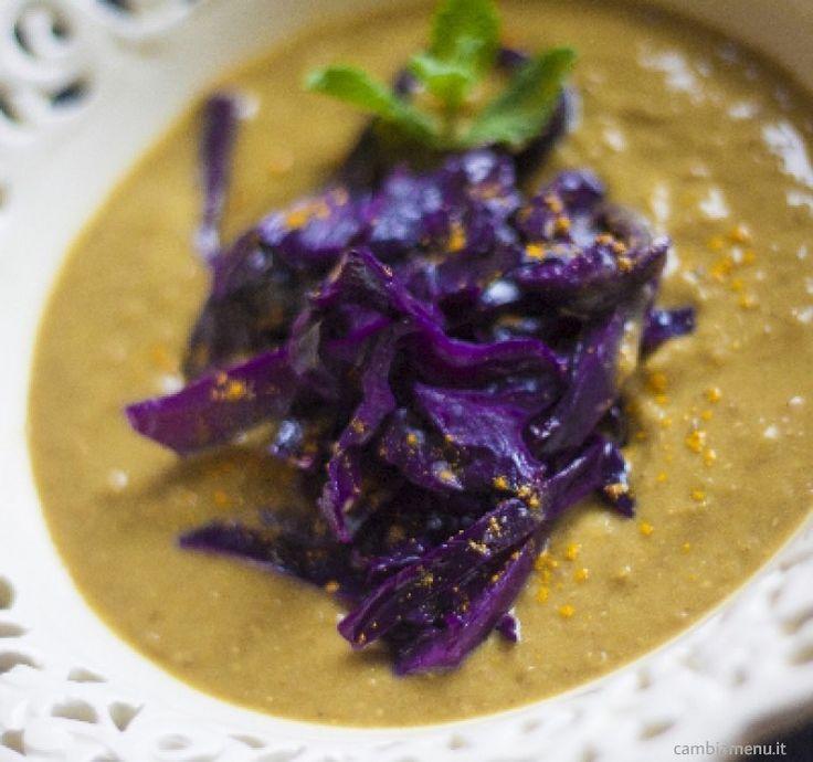 Crema di lenticchie al curry e cavolo rosso - Il cavolo viola è come tutte le crucifere, un ingrediente importante per il nostro inverno.