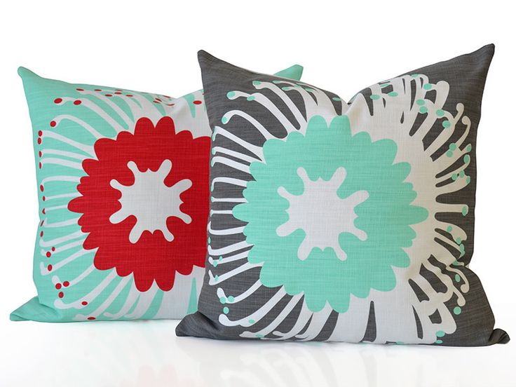 Mix 'n match your pin cushions ;-)