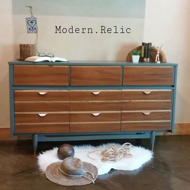 Mid Century Modern Two Toned Longboy By Kroehler. Refinished By Modern  Relic · Mcm FurniturePainted ...