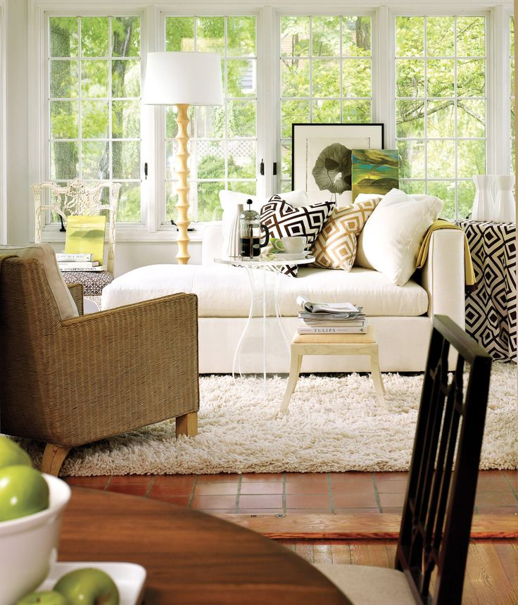 191 best living room spaces images on pinterest for Bay window chaise lounge