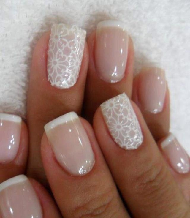 lace finger nails....this would look great for a wedding...even if I am just a guest.