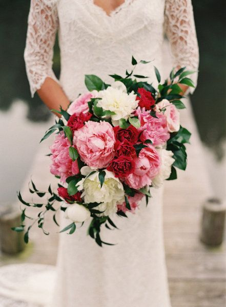cascading bouquet done right