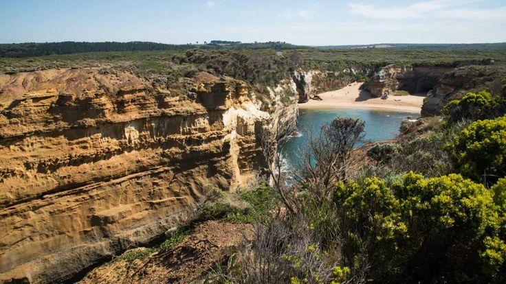 Loch Ard Gorge is a fantastic beach, but don't be fooled by the beauty of it, do not take a swim, quite dangerous
