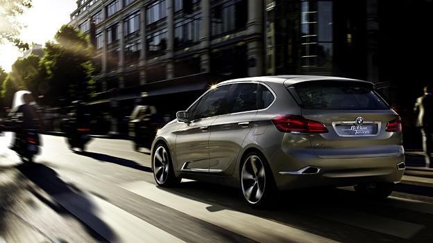 BMW Concept Active Tourer – Autosalon Paris 2012 http://www.autorevue.at/aktuell/bmw-concept-active-tourer-dreizylinder-frontantrieb-van-paris-messe-autosalon-news.html