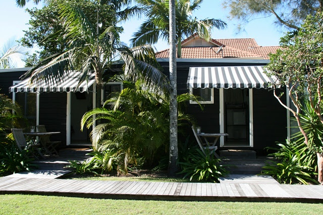 Beachcomber Atlantic guest cottage Byron Bay, Australia! I stayed in the one on the left! Clean, Cozy & Very Reasonable! ;)