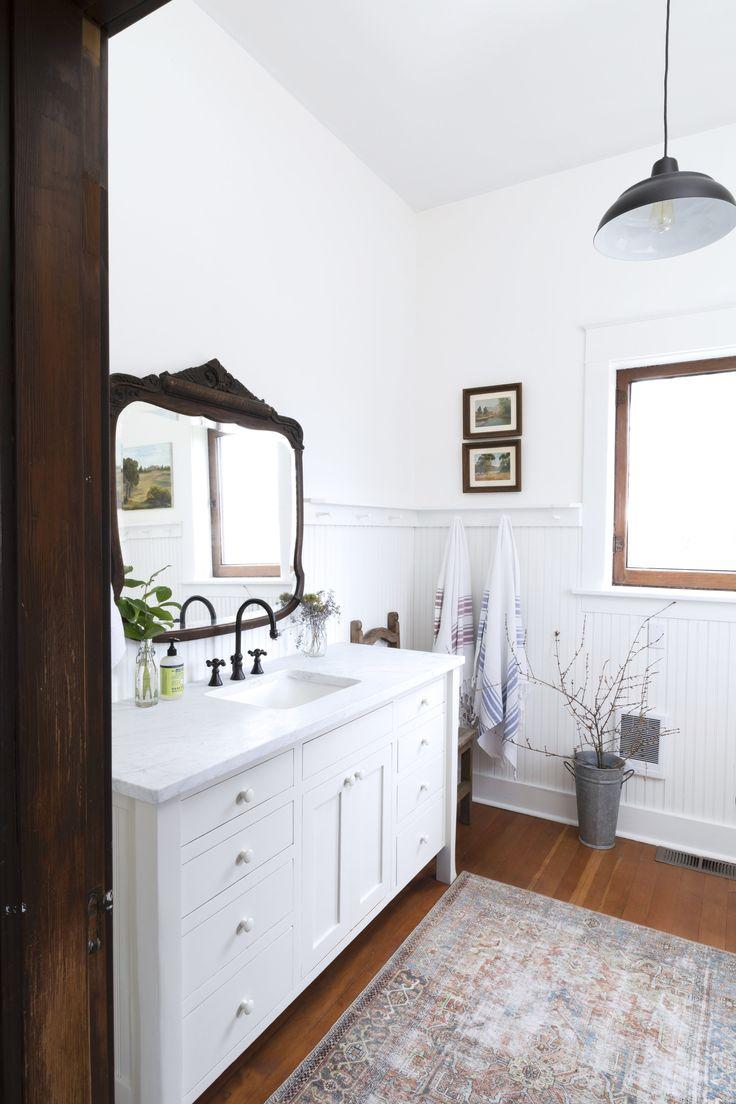 Farmhouse Main Bathroom // Our Quick $1000 Bathroom ...