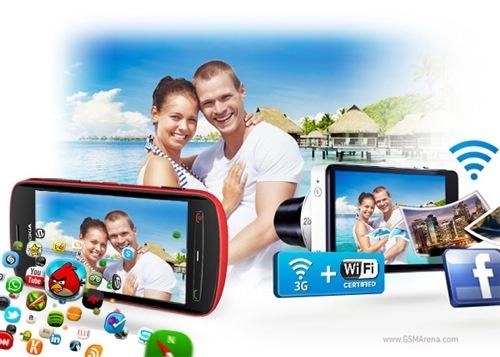 GSMArena a publicat un articol în care au comparat capabilitățile foto și video ale Nokia 808 cu Samsung Galaxy Camera. Adică un smartphone cu o cameră foto compactă.