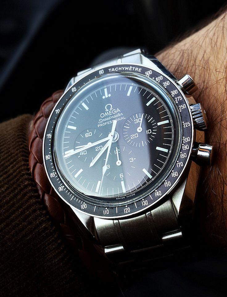 Omega speedmaster professional #moonwatch #chronograph