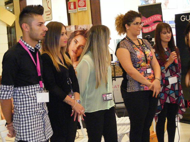 I semifinalisti, da sinistra Antonio Bevilacqua, Giulia Costantinelli, Concettina Forastefano, Katerin Picciolo e Stefania Evoli in attesa di conoscere il verdetto!
