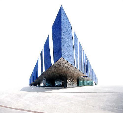 Blue Triangle by Herzog & de Meuron - Building: Edificio Forum, Forum Building, Edificio Fórum, Edifici Fòrum, Barcelona.  Completion: 2004.  Owner: City of Barcelona.  Architects: Herzog & de Meuron.