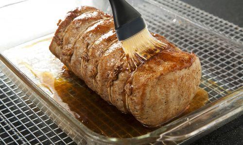 Rica receta de lomo de cerdo en leche con puré de plátanos