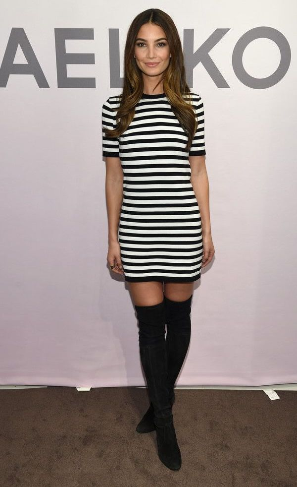 lily aldridge look camiseta vestido listras