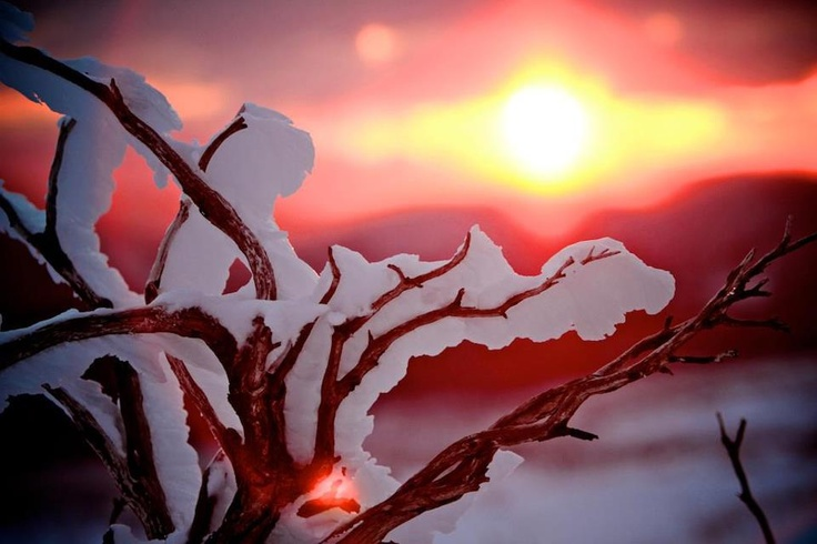 A sunset on the Australian Alps