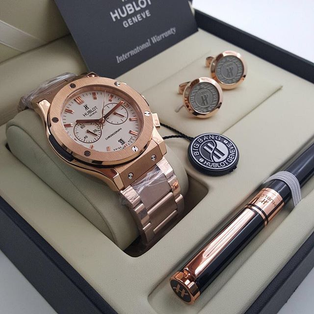 صور هدايا افكار هدايا للزوج والزوجة والام والاخوات صور هدايا مناسبة لجميع المناسبات Michael Kors Watch Kors Watches Michael Kors