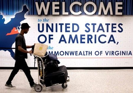 The Trump administration asked the U.S. Supreme Court on Monday to allow President Donald Trump's latest travel ban to take full effect after an appeals ...