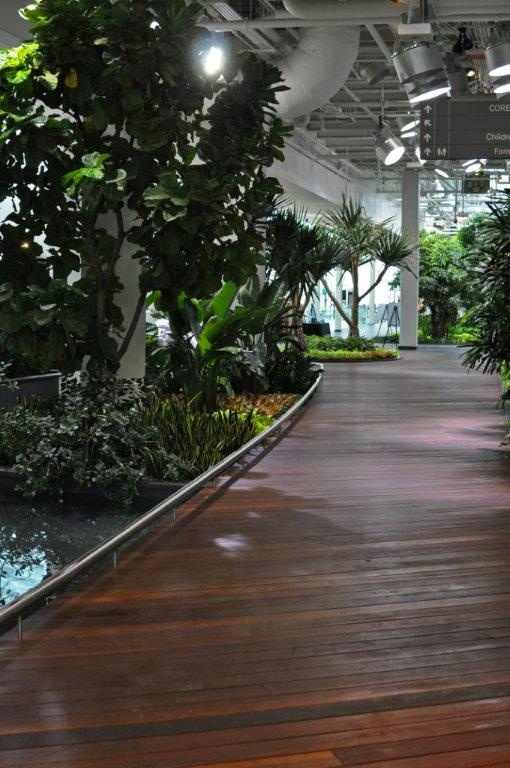 The Devonian Gardens looks amazing with Kayu Canada's Red Balau Batu decking material. Located in Calgary, Alberta.