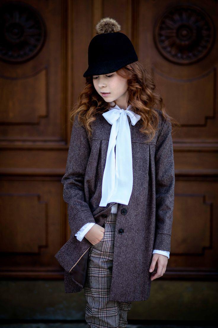 Chic, elegant, classy... from Amelie et Sophie.