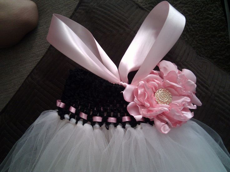 How to make a tutu dress... totally going to make these for my flower girls!