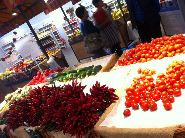 Peperoncini, pomodori, zucchine e carciofi - Eataly, Bari. http://www.bari.eataly.it
