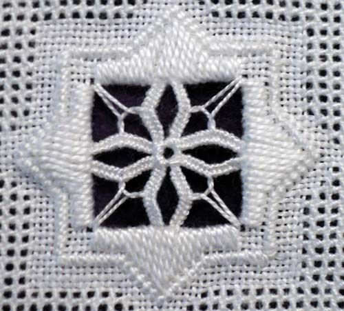 Site met veel steken en wat gratis patronen. 2012 Advanced Filling Stitches « Save the Stitches!