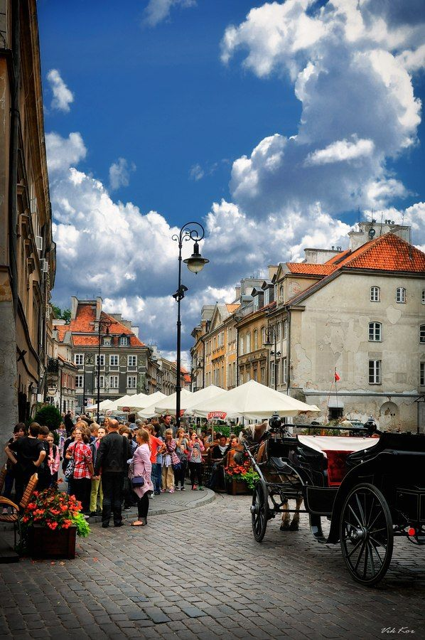 Old Warsaw, Poland. I love it here... It's so freeing ❤