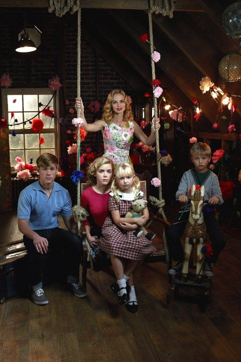 Flowers in the Attic remake with Heather Graham and Kiernan Shipka (Mad Men) #VCAndrews #Books