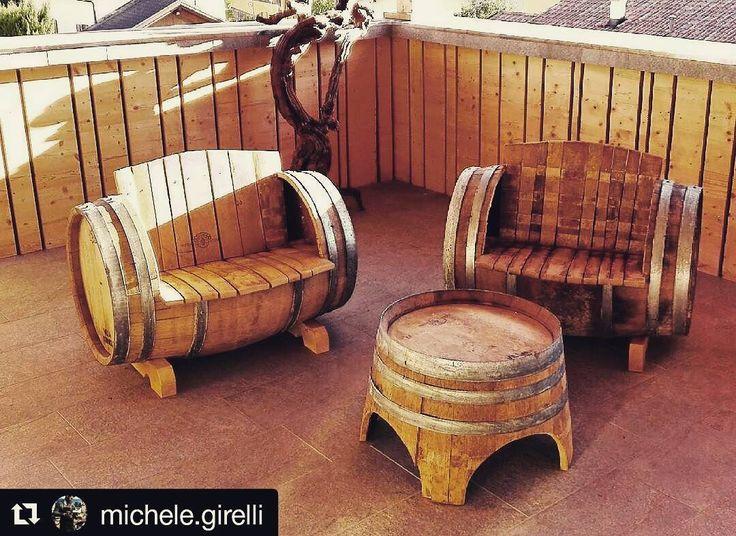 Uso alternativo delle #barriques in disuso per la nostra nuova terrazza estiva  #idee #winery #summerloading  #Repost @michele.girelli  Poltroncine e tavolino per veri #winelover a #villacorniole #trentino #barrique