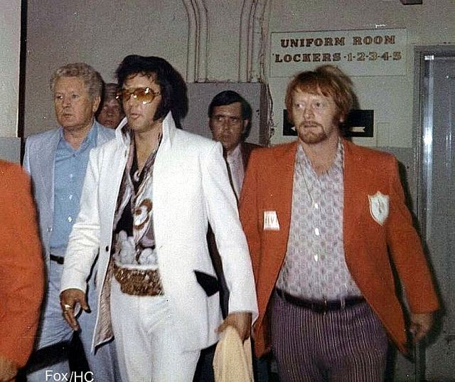 Elvis Presley in Chicago - 1972, with Vernon, Red West, and other Memphis Mafia (bodyguards).