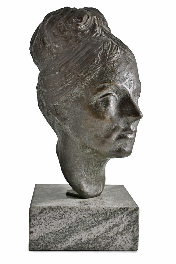 Mario Bertozzi, testa femminile in bronzo, 1963.