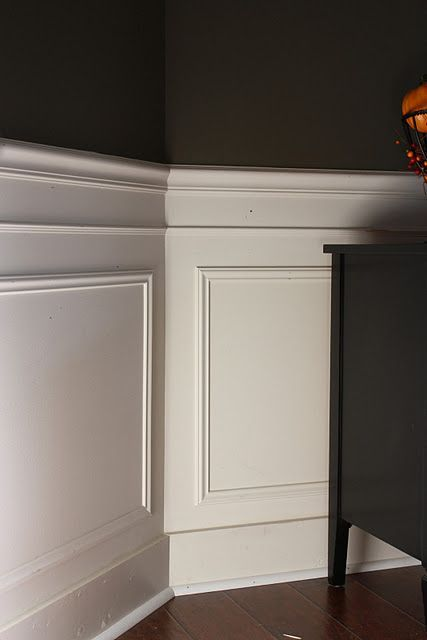 pretty simple diy wainscotting using picture frame molding. already have these materials in the garage--would just need to measure and cut! #ChairRail