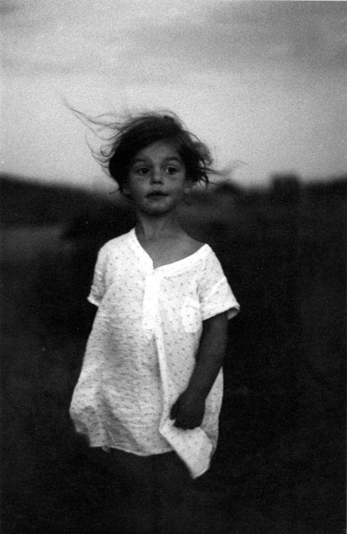 Diane Arbus. Child in a nightgown, Wellfleet, Mass, 1957.
