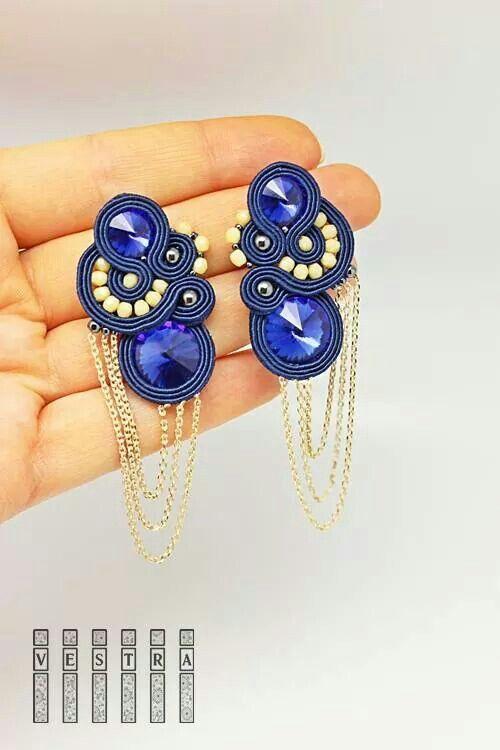 Pendientes azul con cadenas