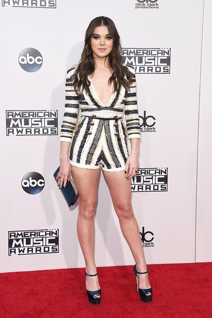 Hailee Steinfeld IN ZUHAIR MURAD.  Its fresh. Its young. Its perfect her her. She dresses so perfectly of her age and always has.