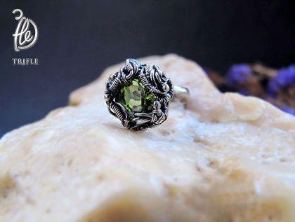 """кольцо с перидотом """"Green star"""" silver - зеленый камень,серебряное кольцо"""