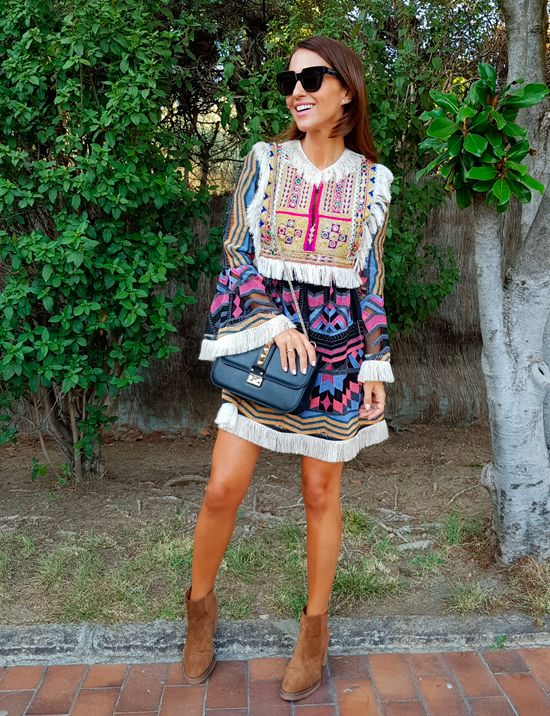 Tras la pista de Paula Echevarría » ANKLE BOOTS. Colorfull embroidered dress+camel heeled boots+black Valentino Rockstud chain crossbody bag+sunglasses. Fall Dressy Casual Outfit 2017